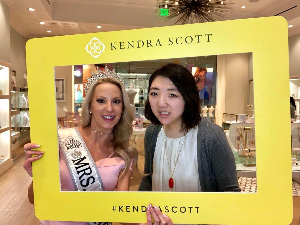 Kendra Scott Gives Back - To Benefit New Vista