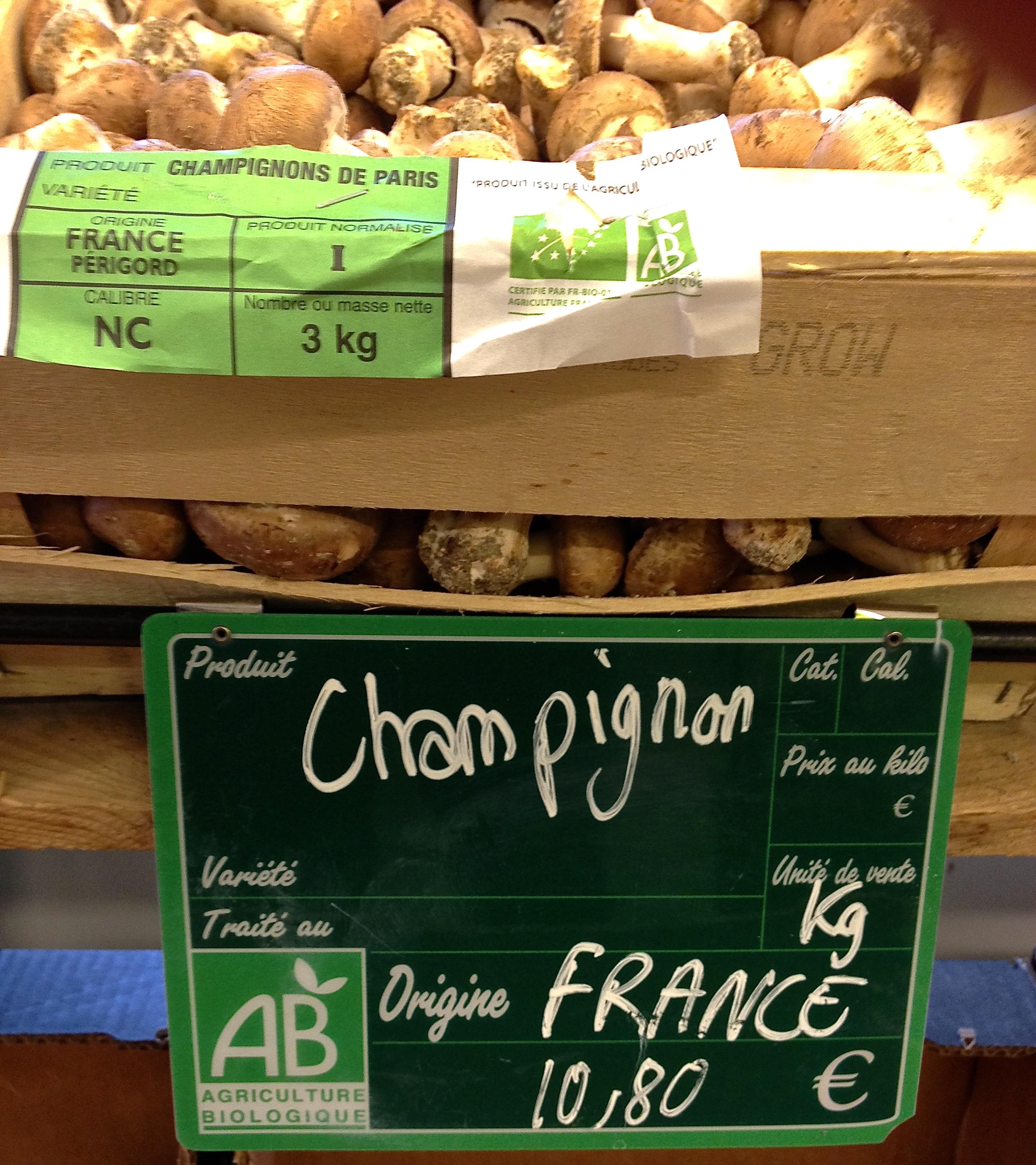 Champignons de Paris at Bio C'Bon