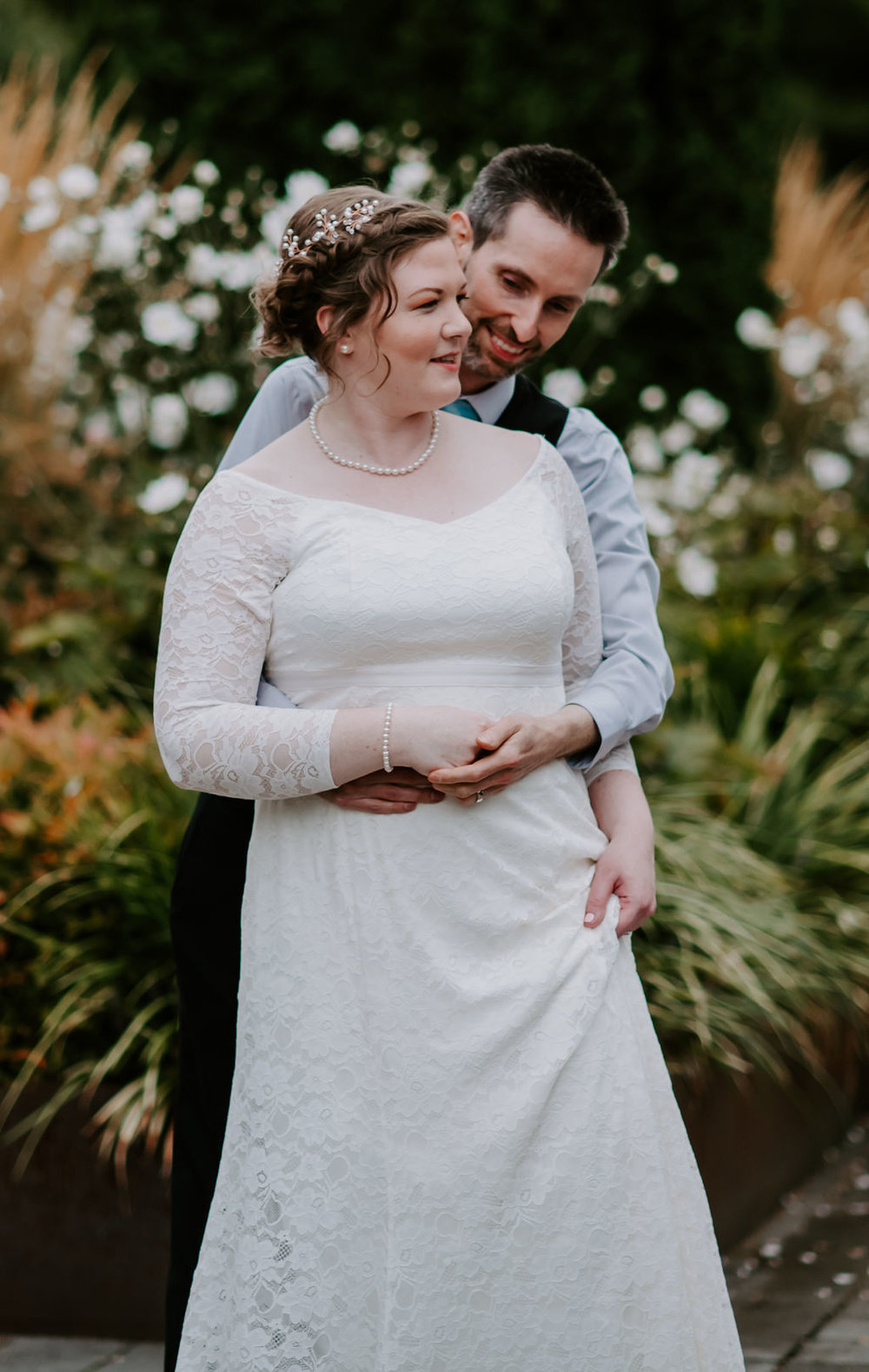 After some inspiration for a simple wedding? Come browse the blog of this minimalistic wedding for Meghan + Sam and The Baker Building in Portland Oregon, photographed by Betty Boyce