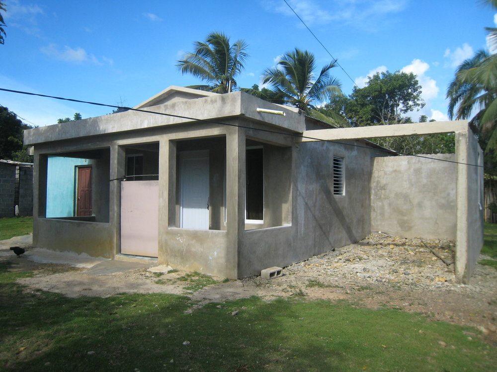 Post-construction, before being painted, Cruz Verde