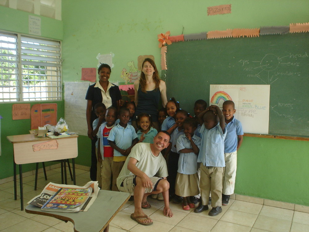 Volunteers after teaching class at the Cruz Verde elementary school