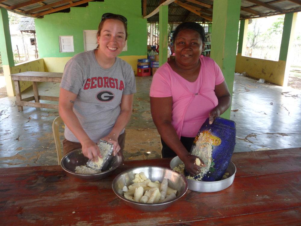 Preparing yuca
