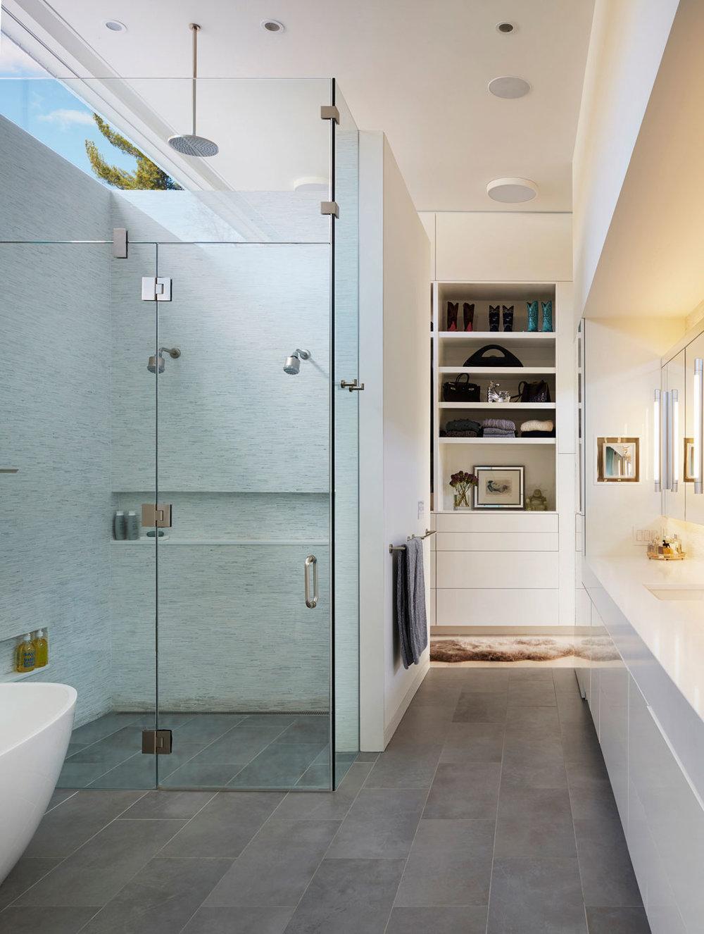 Bathroom - Mid-century Modern House