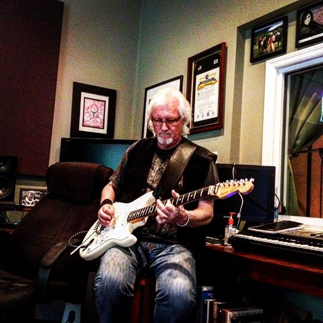 Had a blast working on guitar tracks with Frank Green, Phil Harris, Paula Leverton at Digitalmaster Studio in Nashville #digitalmaster #bloodisthickerthanwhiskey