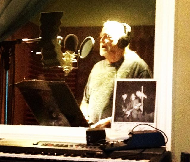 Phil Harris recording vocals at Digitalmaster Nashville with Frank Green, Paula Leverton, Benny Leverton #levertonbrothersband #digitalmaster #bloodisthickerthanwhiskey