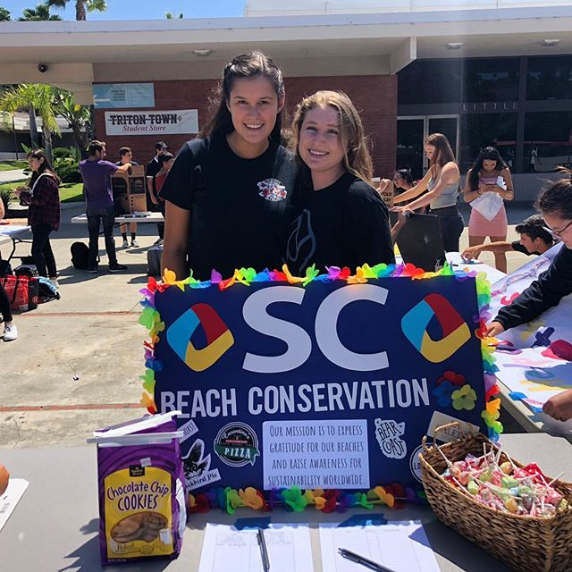 Our team at San Clemente High School is hard at work today recruiting new members at Club Rush 💪🏼♻️🚯