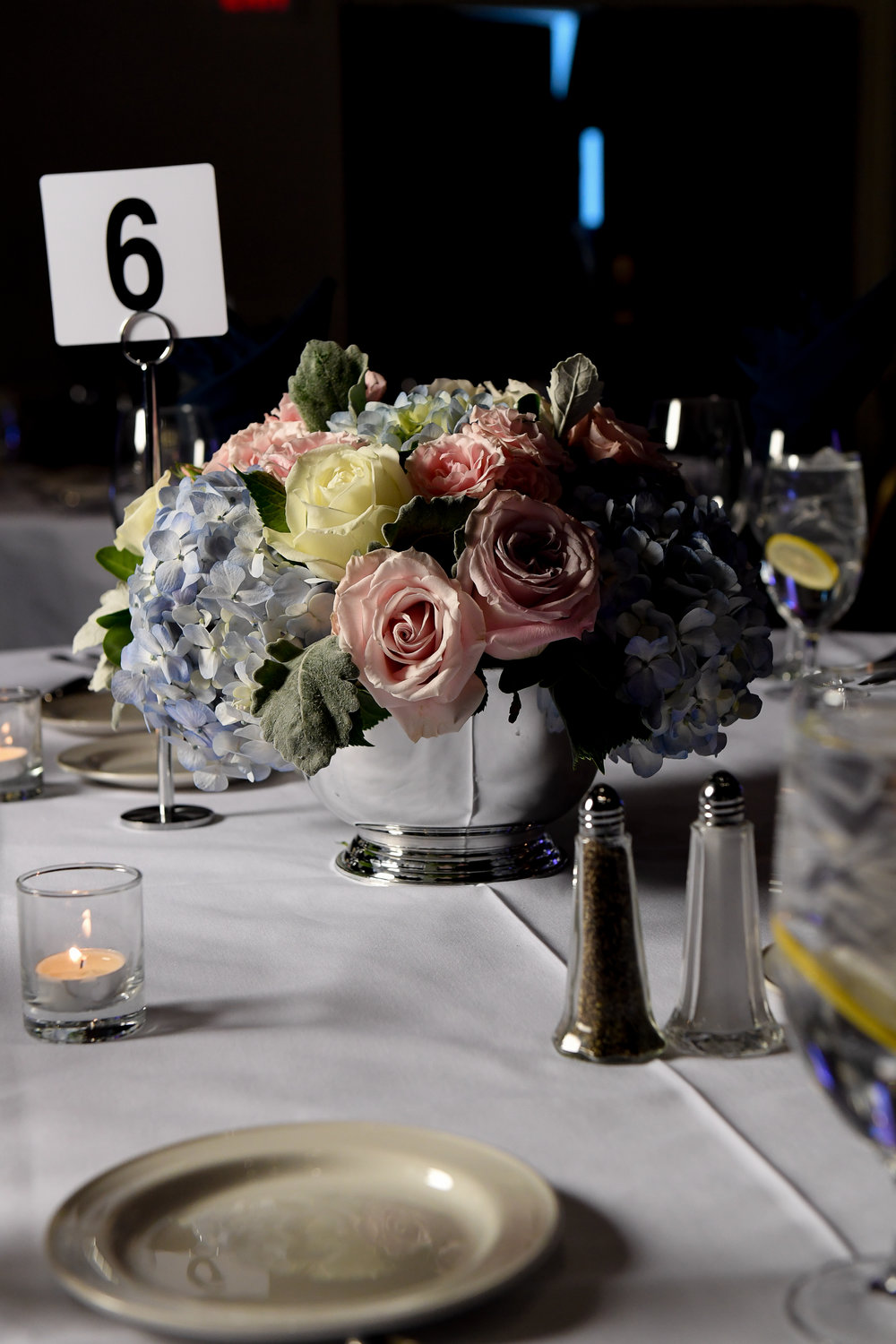 Atelier Ashley Flowers + Erin Tetterton Photography + low centerpiece