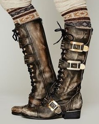 It may be Summer but that doesn't mean you can't wear stylish boots to make an outfit! Team with a Summer dress or a cute skirt to rock this look. If you're feeling creative, why not make your own?  #steampunktasmania #steampunktendencies #steampunkstyle