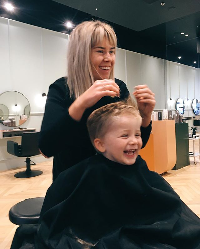 It's all fun and games in Frana's chair 💁🏼‍♀️✂️ let's all be clients like Mathew 👼🏻