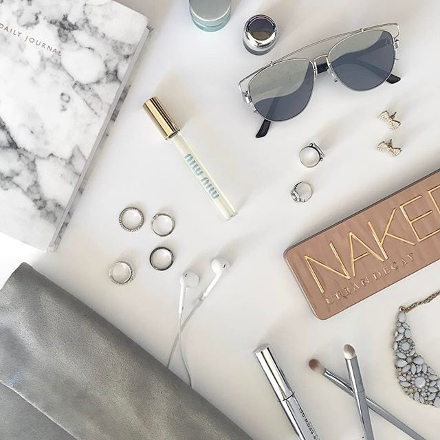 Getting ready for the day with some of my {Favorite} things #GetReadyWithMe #Flatlay #MyFaves