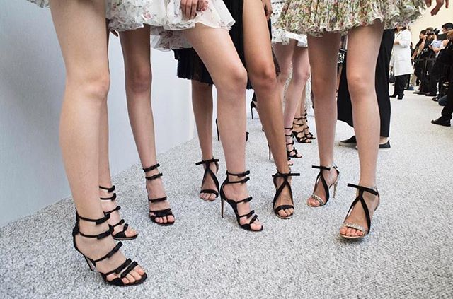 A little late but a touch of this beautifulness for #ShoesdayTuesday via the one and only @giambattistavalliparis #IWantThemAll