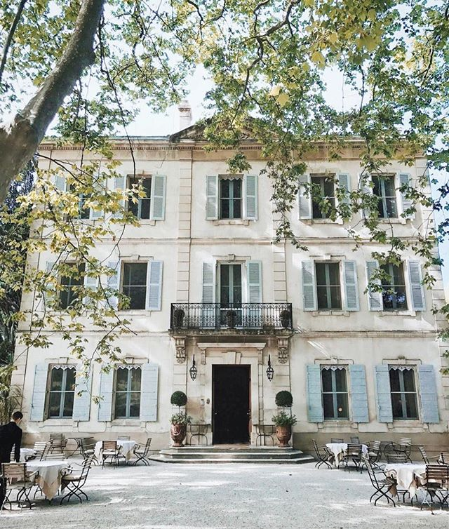 // Going to sleep dreaming of vacations in gorgeous French villas // pc: @margoandme