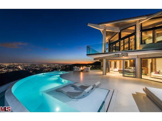 7000 Macapa Drive - $7,600,000
