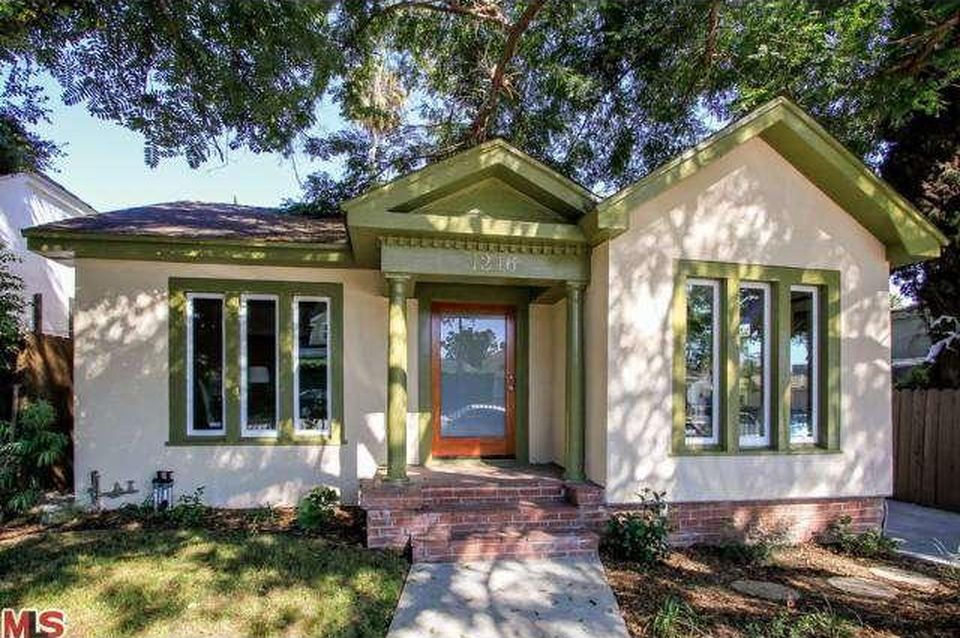 1246 N Genesee Ave - $950,000