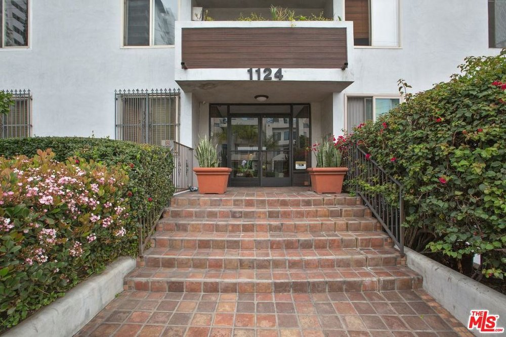 1124 North La Cienega #201 - $200,000
