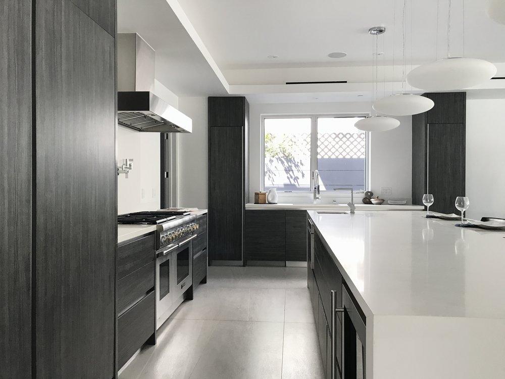 11 - Kitchen4.JPG