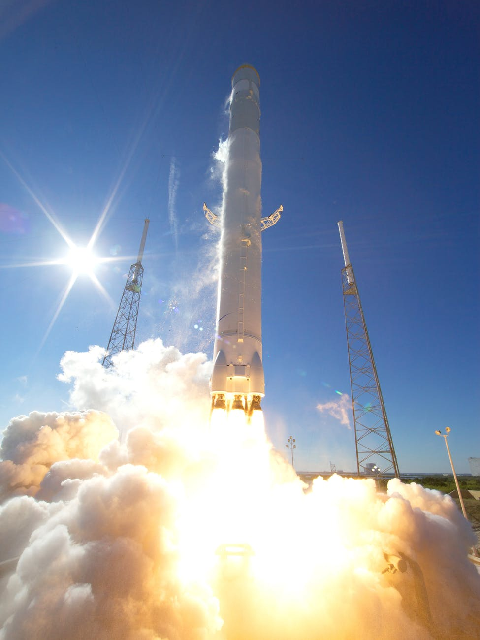 rocket-launch-space-discovery.jpg