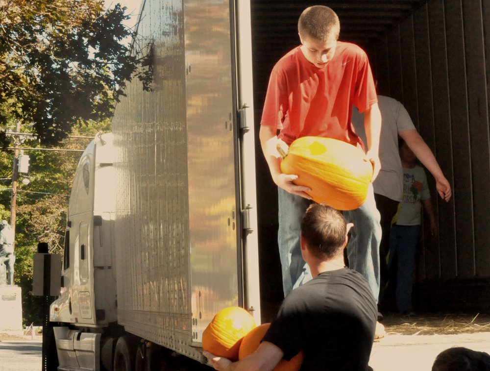 Pumpkin Unloading October 1, 2016