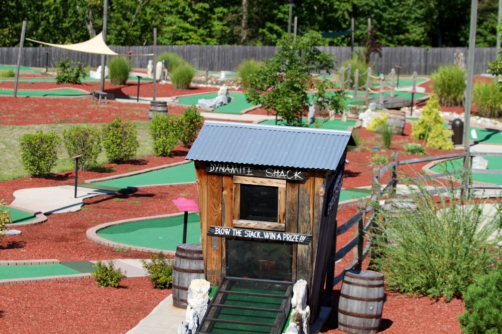 Adventure Park USA features two challenging 18-hole miniature golf courses - Thunderin' Falls and Dry Gulch. Make your way over rampant river beds, between looming spires and across engulfing canyons.