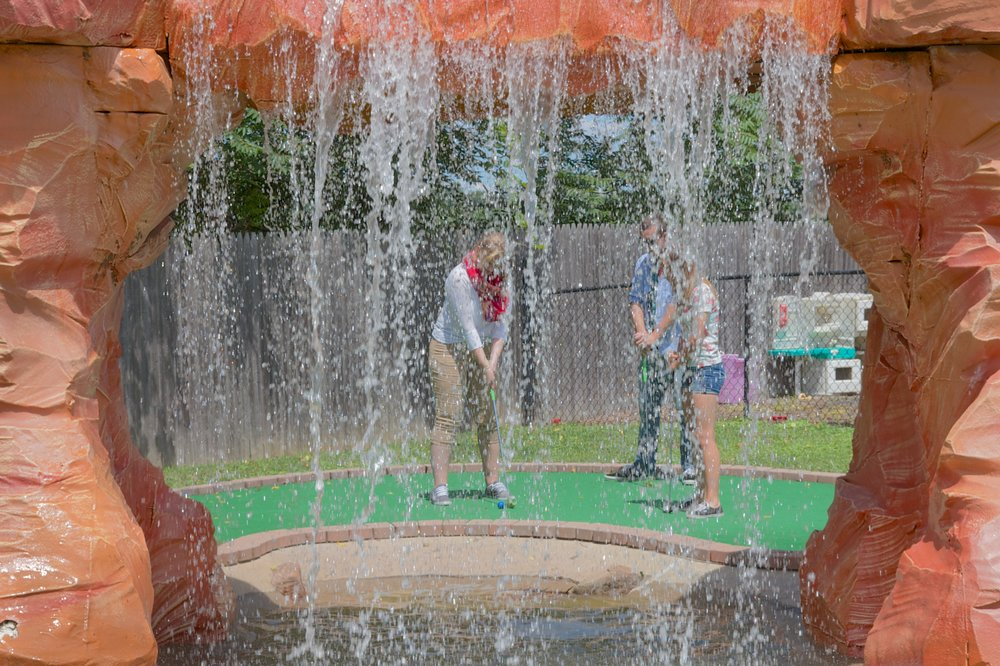 WaterfallGolf1.jpg
