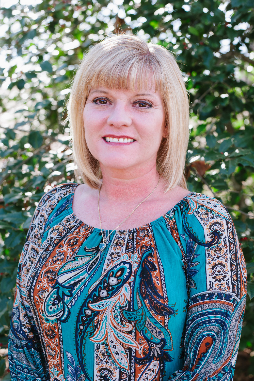 AMY MCABEE Office Manager Organized, sharp and on task, Amy manages the Rosewood office, taking care of book-keeping and communications. She keeps things running smoothly between Rosewood, our suppliers and subcontractors.