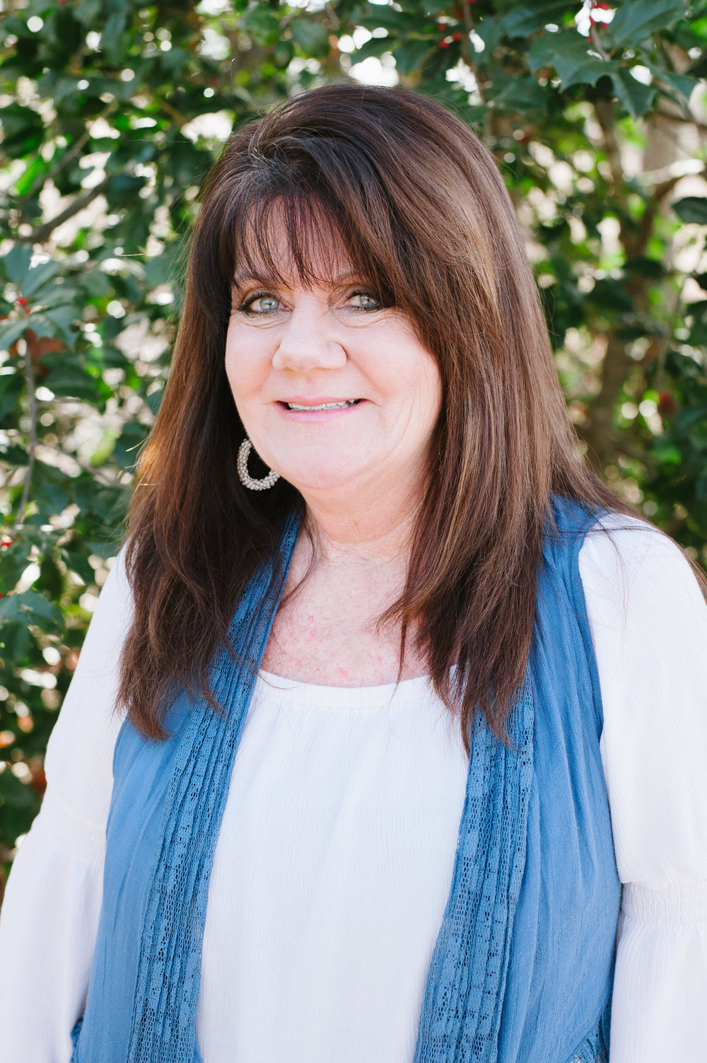CATHI AUSTIN Sales Coordinator Cathi works directly with our buyers from contract to closing making sure that all of their questions and concerns are addressed. She communicates with the entire team to help make every build a smooth transaction for our customers.