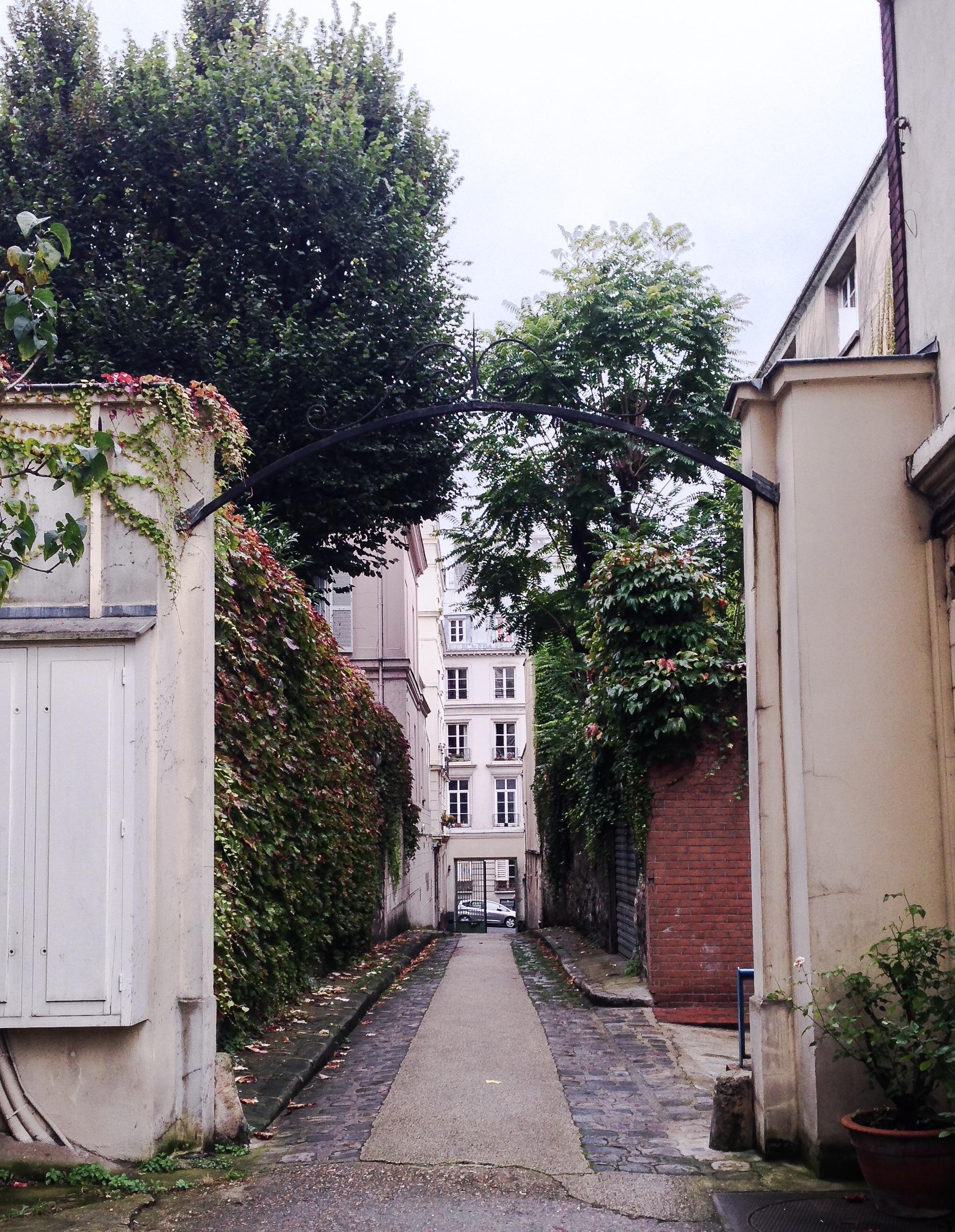 Hemingway courtyard 1