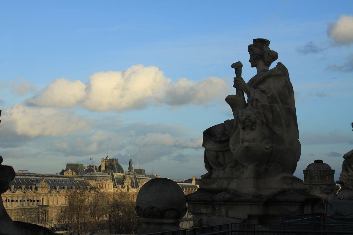 cloud over louvre, color 2014 - copie