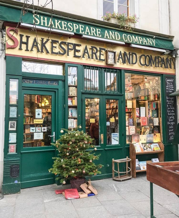 Shakespeare and Company.jpg