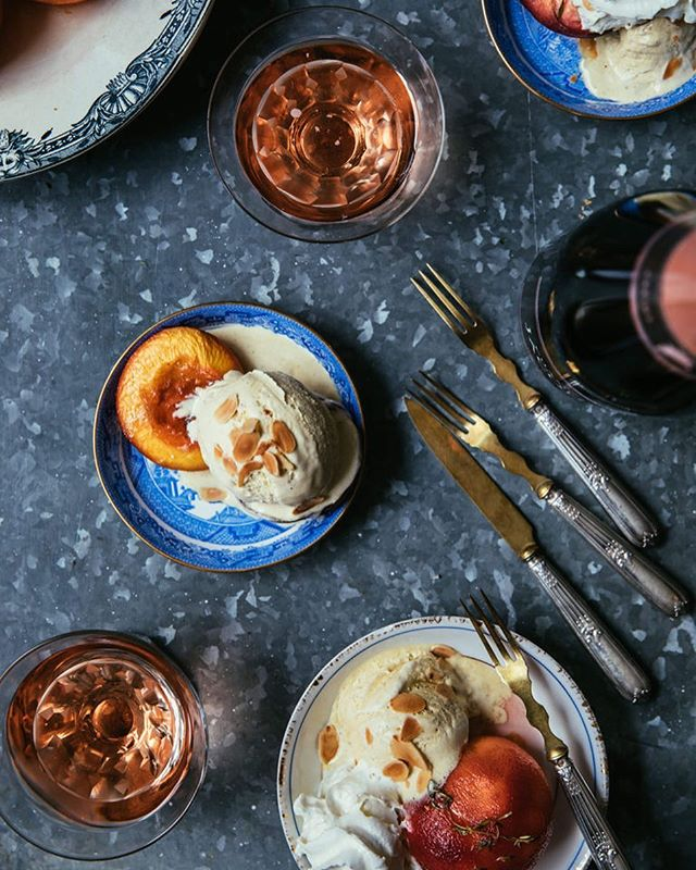 (📷@thepineapplechef) After a rather sweaty run this morning, I'd love nothing more than to eat this sweet peach melba dessert with a glass of @champagne_jacquart rosé 💕It's always a good time collaborating with wonderful Elise from @thepineapplechef 💕 Link in bio @lou_in_paris for the recipe 🍑 #feedfeed #foodphotography #onthetable #leavetheordinary #champagne