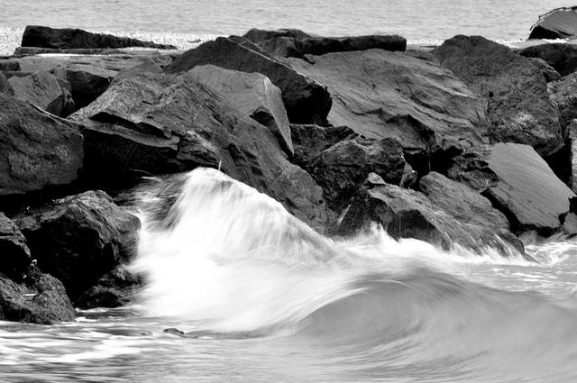 Cape-May-Breakwater.jpg