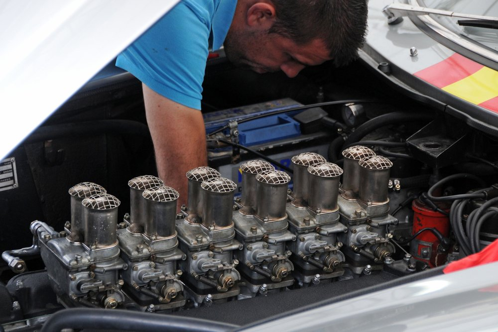 Ferrari v12.jpg