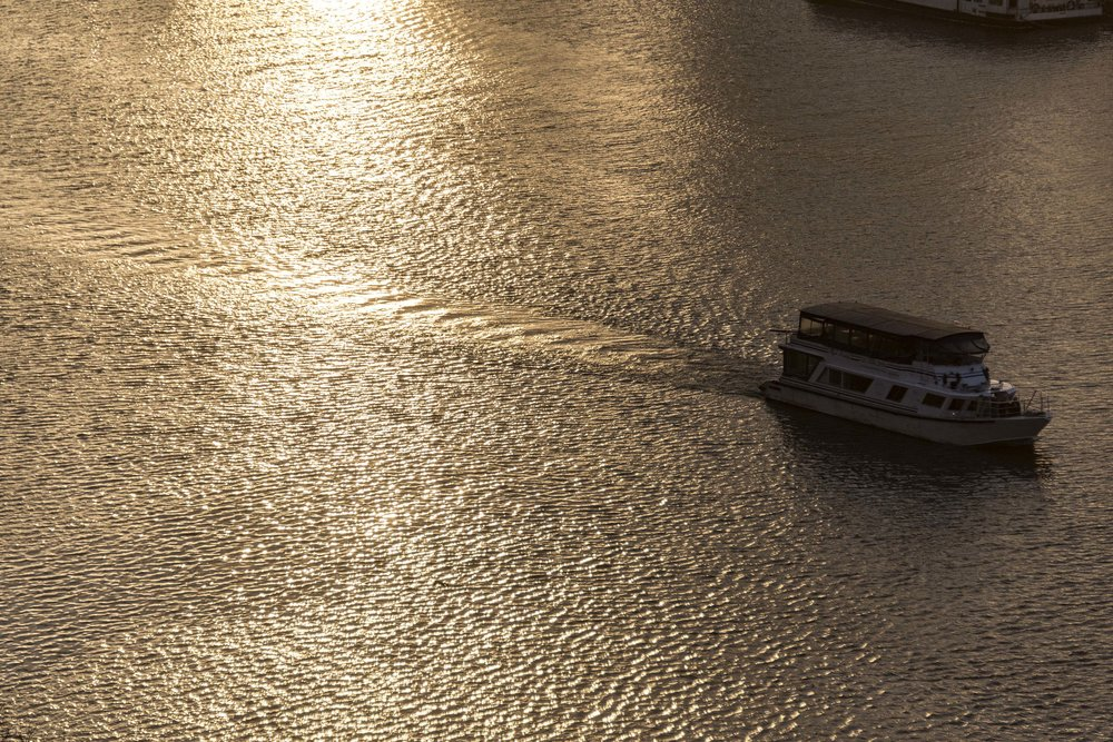 Boat sunset Thames copy.jpg