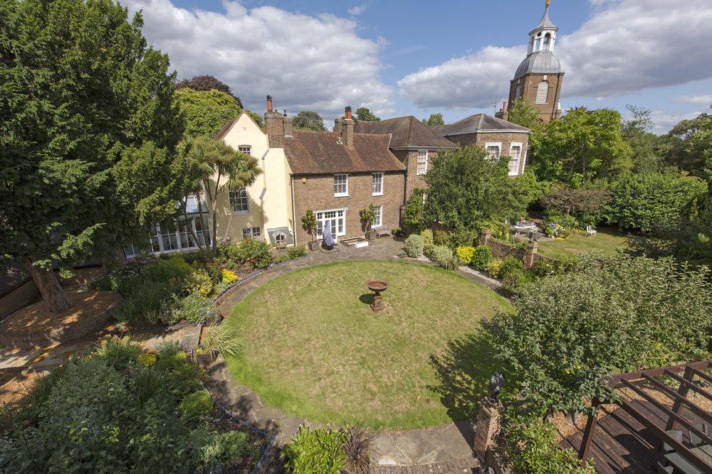 Vicarage Cottage TW166RQ Ext 1.jpg