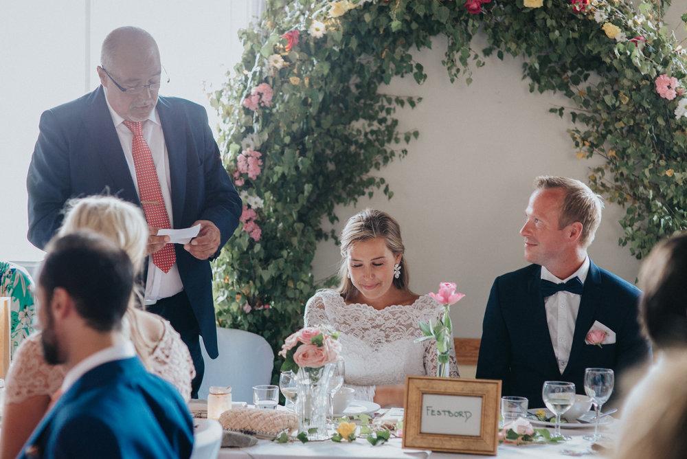 060-bröllopsfotograf-gotland-sjöviksgården.jpg