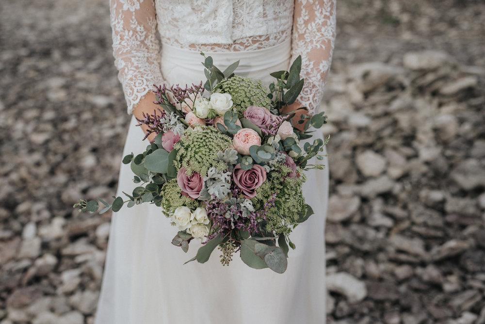 038-irisdals-blomsterhandel-brudbukett-neas-fotografi.jpg