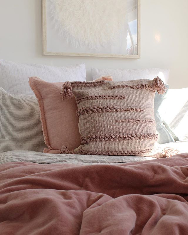 LA Design just loves @citta new range of linen! Beautiful room all ready for the market contact Aaron Flowerday @harcourtsmarlborough for more information. . . . . . #ladesign_ #style #property #homestaging #declutter #stylist #house #home #organise #pink #bedroomdecor #interior444 #interior123 #realestate #beautiful #living #furniture #onlymarlborough #blenheimnz #nz #staging #homestagers #textures #stunning #modern #vscocam