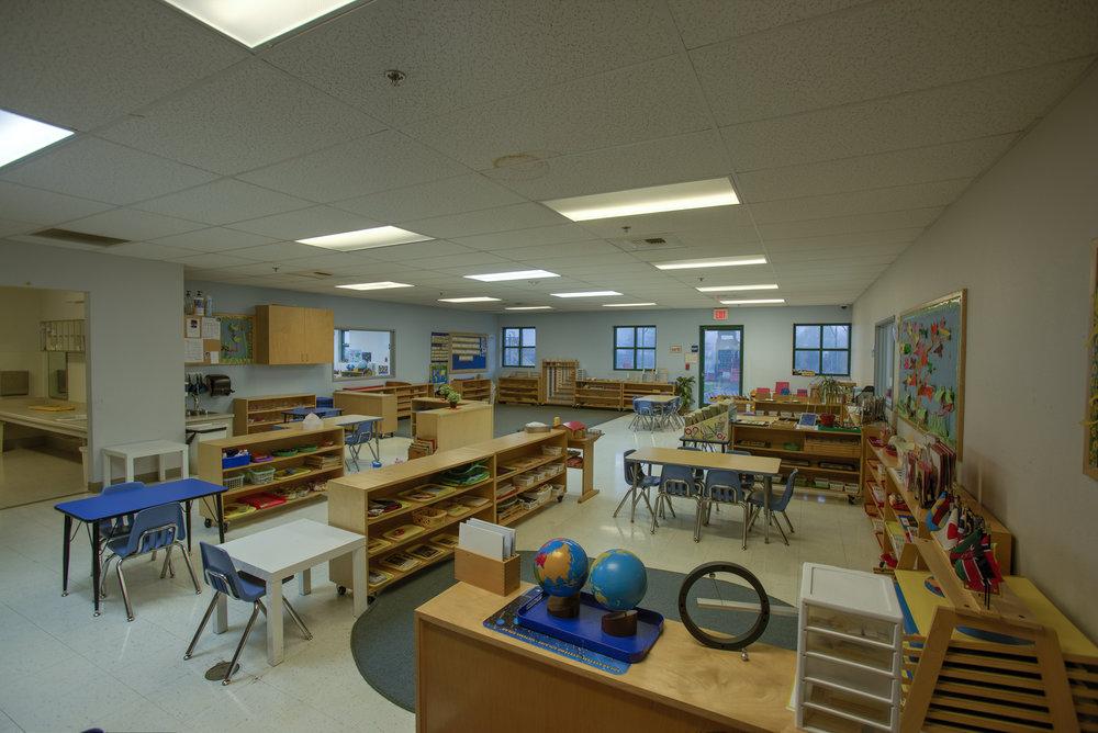 Little-Blossom-Montessori-Preschool-and-Daycare-Services-Sacramento-Natomas_02.jpg