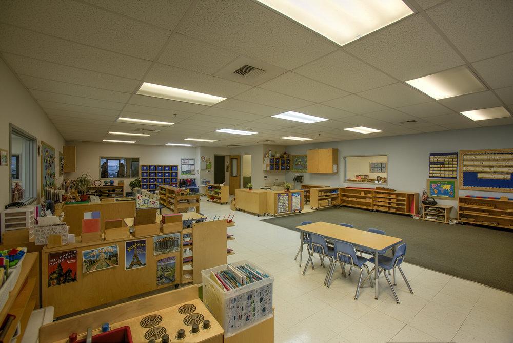 Little-Blossom-Montessori-Preschool-and-Daycare-Services-Sacramento-Natomas_03.jpg