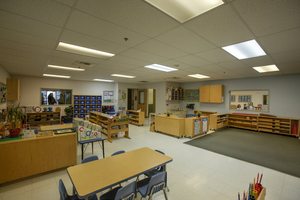 Little-Blossom-Montessori-Preschool-and-Daycare-Services-Sacramento-Natomas_04.jpg