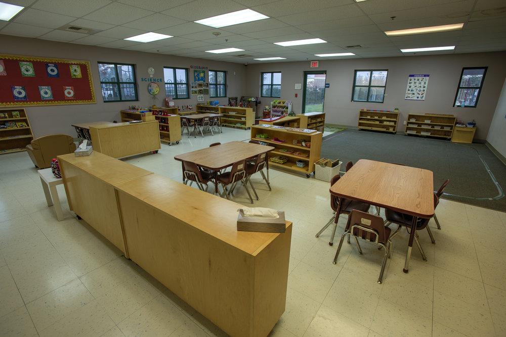 Little-Blossom-Montessori-Preschool-and-Daycare-Services-Sacramento-Natomas_11.jpg