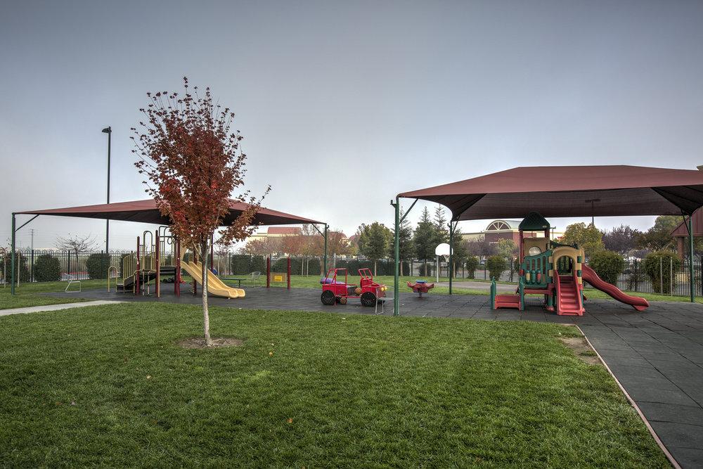 Little-Blossom-Montessori-Preschool-and-Daycare-Services-Sacramento-Natomas_10.jpg