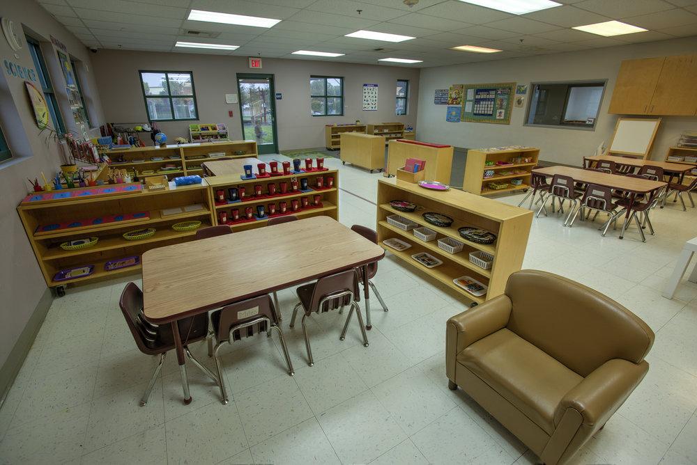 Little-Blossom-Montessori-Preschool-and-Daycare-Services-Sacramento-Natomas_13.jpg