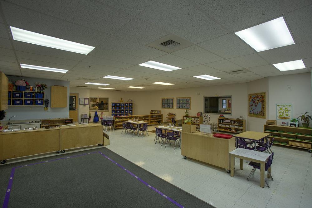 Little-Blossom-Montessori-Preschool-and-Daycare-Services-Sacramento-Natomas_14.jpg