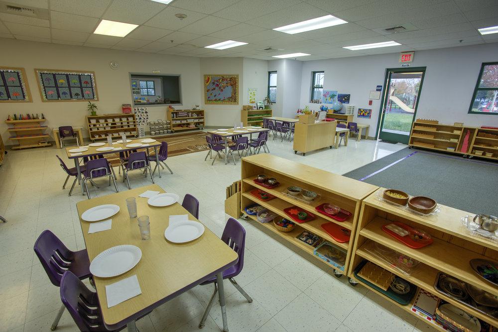 Little-Blossom-Montessori-Preschool-and-Daycare-Services-Sacramento-Natomas_15.jpg