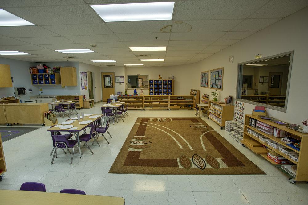 Little-Blossom-Montessori-Preschool-and-Daycare-Services-Sacramento-Natomas_16.jpg