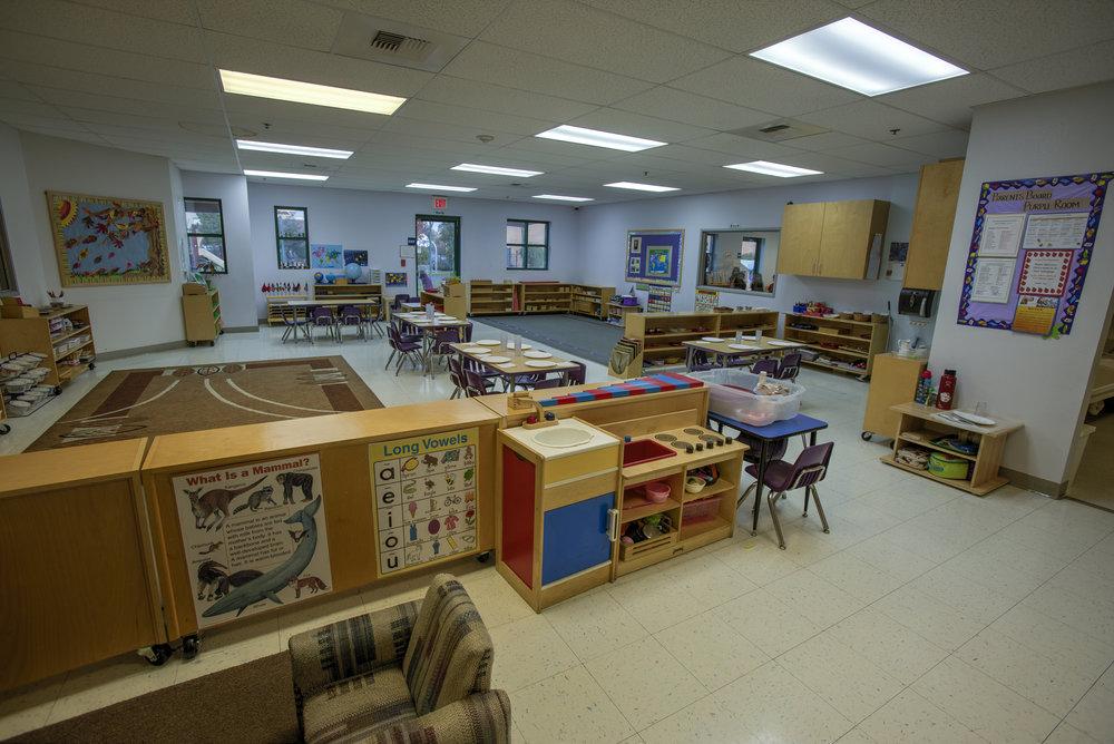 Little-Blossom-Montessori-Preschool-and-Daycare-Services-Sacramento-Natomas_17.jpg