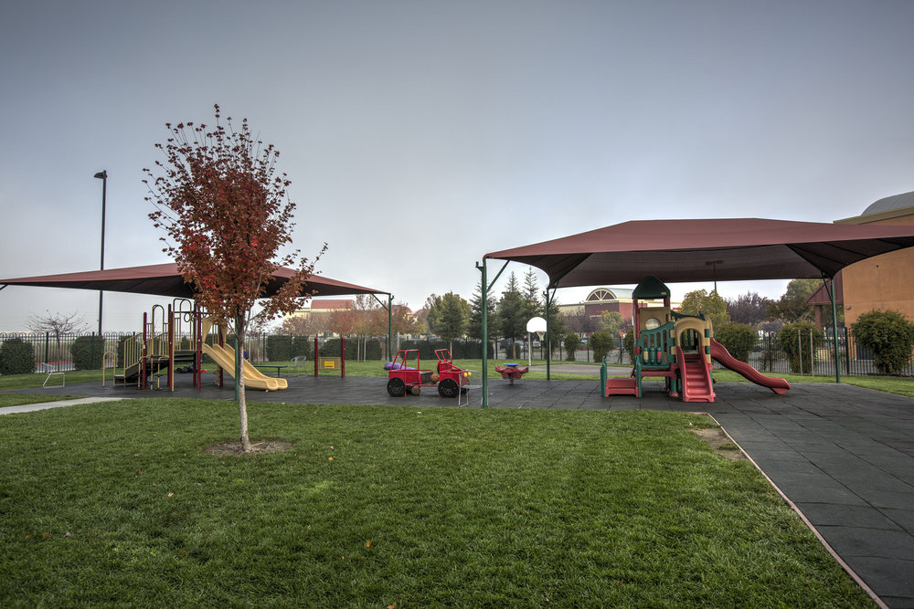 Little-Blossom-Montessori-Preschool-and-Daycare-Services-Sacramento-Natomas_21.jpg