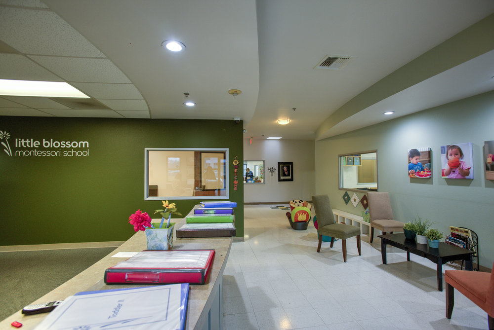 Little-Blossom-Montessori-Preschool-and-Daycare-Services-Sacramento-Natomas_25.jpg