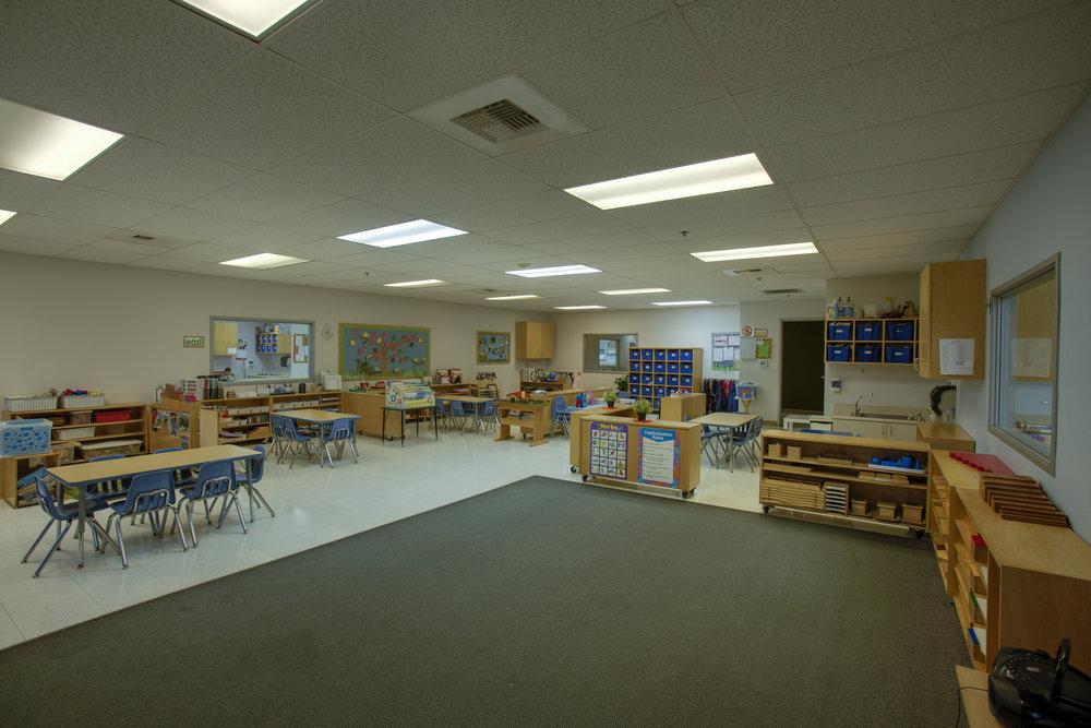 Little-Blossom-Montessori-Preschool-and-Daycare-Services-Sacramento-Natomas_27.jpg